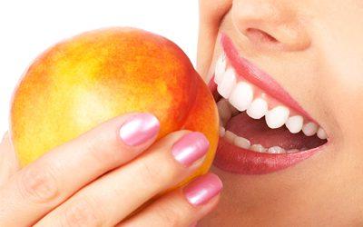 Makanan yang Dapat Memutihkan Gigi