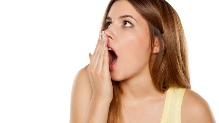 Atasi Bau Mulut untuk Mencegah Masalah Sosial