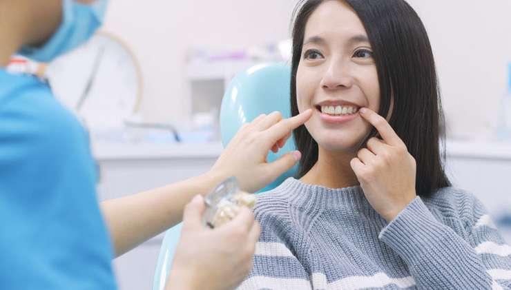 Perawatan Agar Gigi Goyangmu Tidak Lepas atau Bertambah Parah