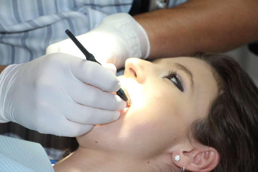 waktu periksa gigi