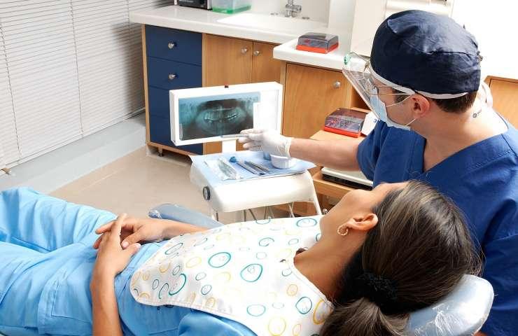 5 Alasan Keliru Kenapa Orang Takut ke Dokter Gigi